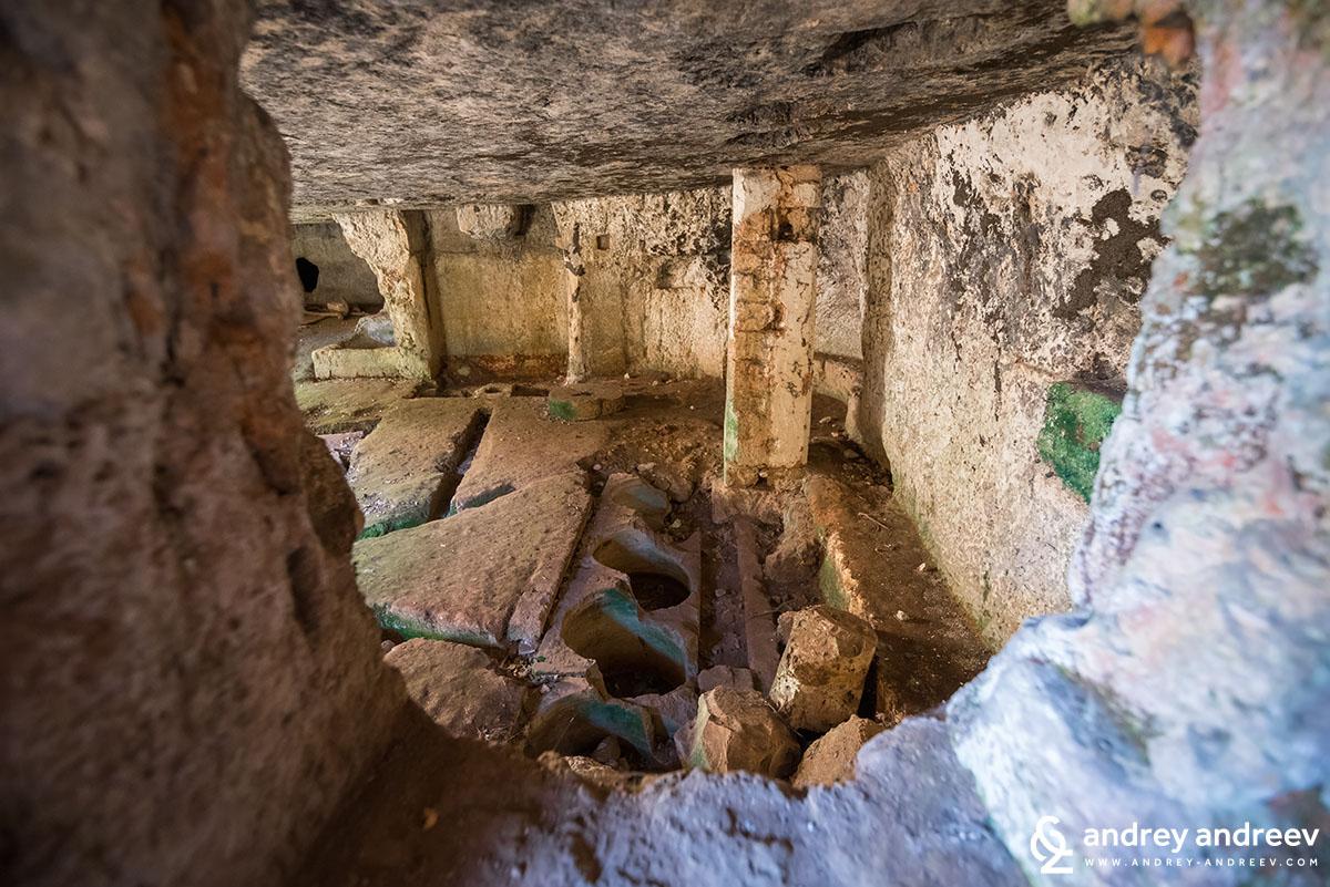 Старите подземни мелници и складове за зехтин в Салве, Южна Италия