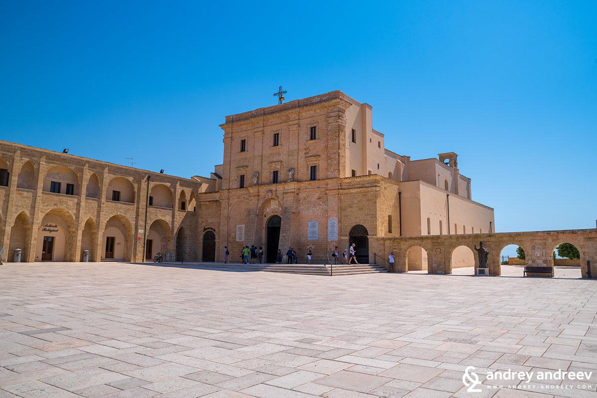 Светилището на Св. Богородица от Леука, Южна Италия