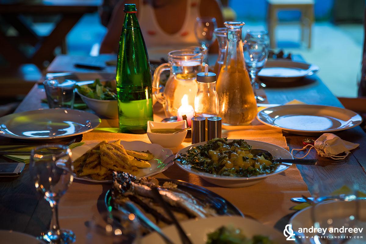 Масата ни за вечеря