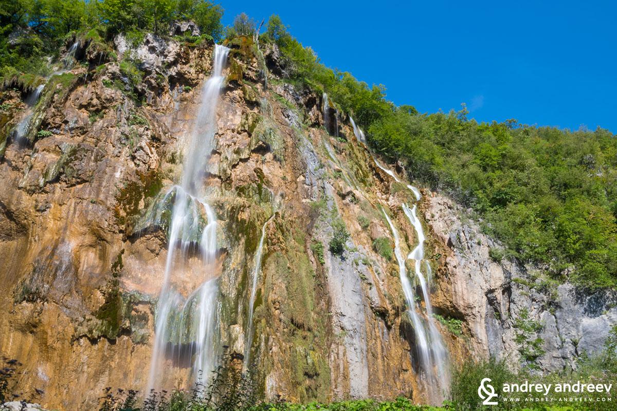 Летни водопади на Плитвичките езера в Хърватия