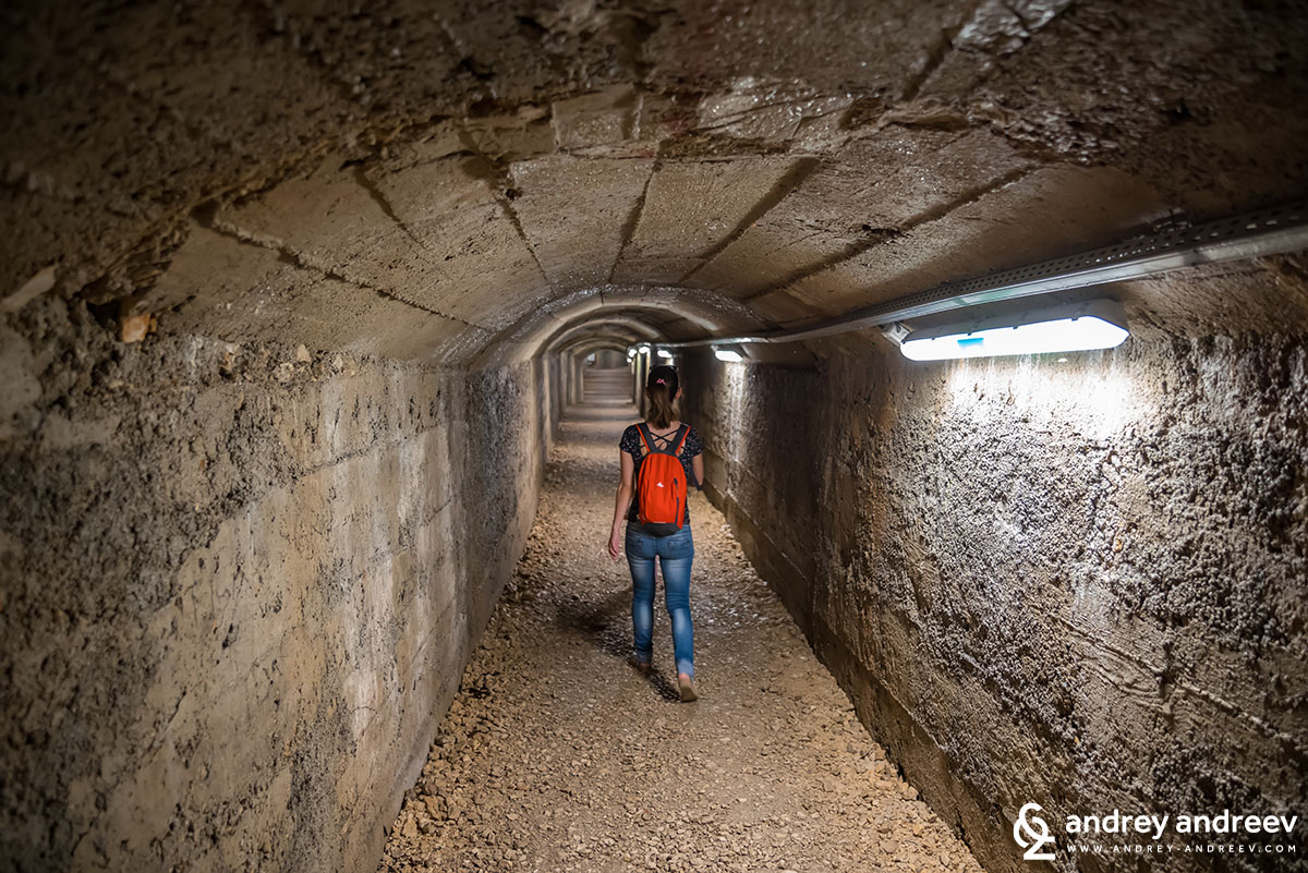 Семейна разходка из тунелите
