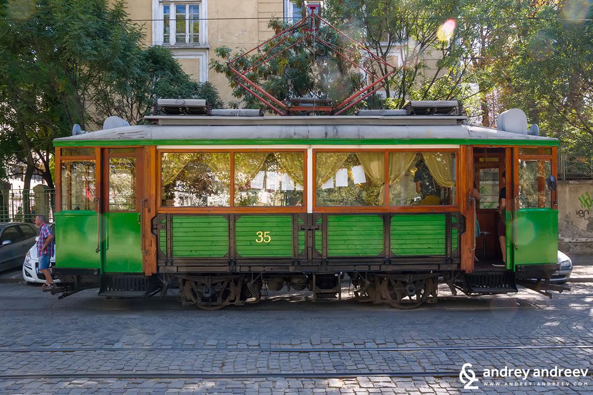 The retro Tram