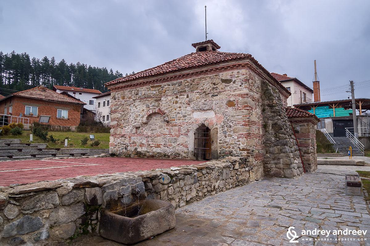Българската, или Римската баня