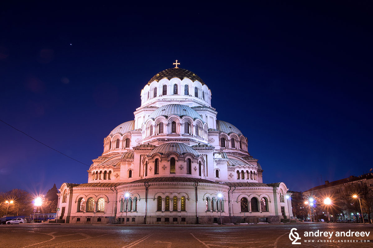 "St. Alexander Nevski Cathedral (Храм-паметник ""Свети Александър Невски"") Sofia, Bulgaria, one of the most notable things to see in Bulgaria"