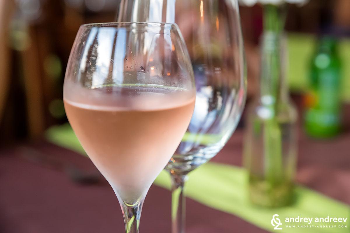 Пенливо розе в Риека, Хърватия