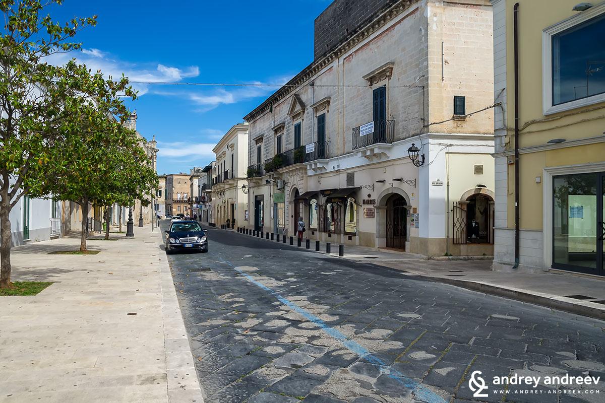Празните улици на Мандурия в 14ч. - Южна Италия