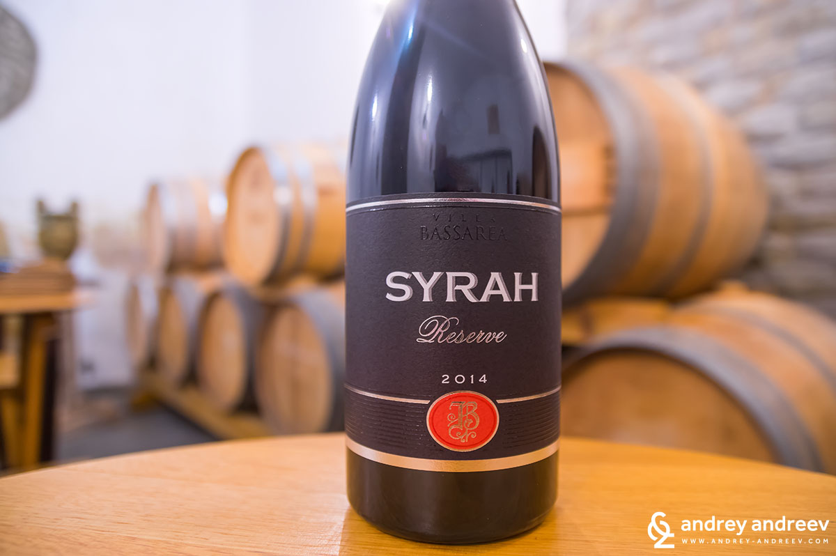 Syrah 2014 Reserve by Villa Bassarea, Bulgarin red wine