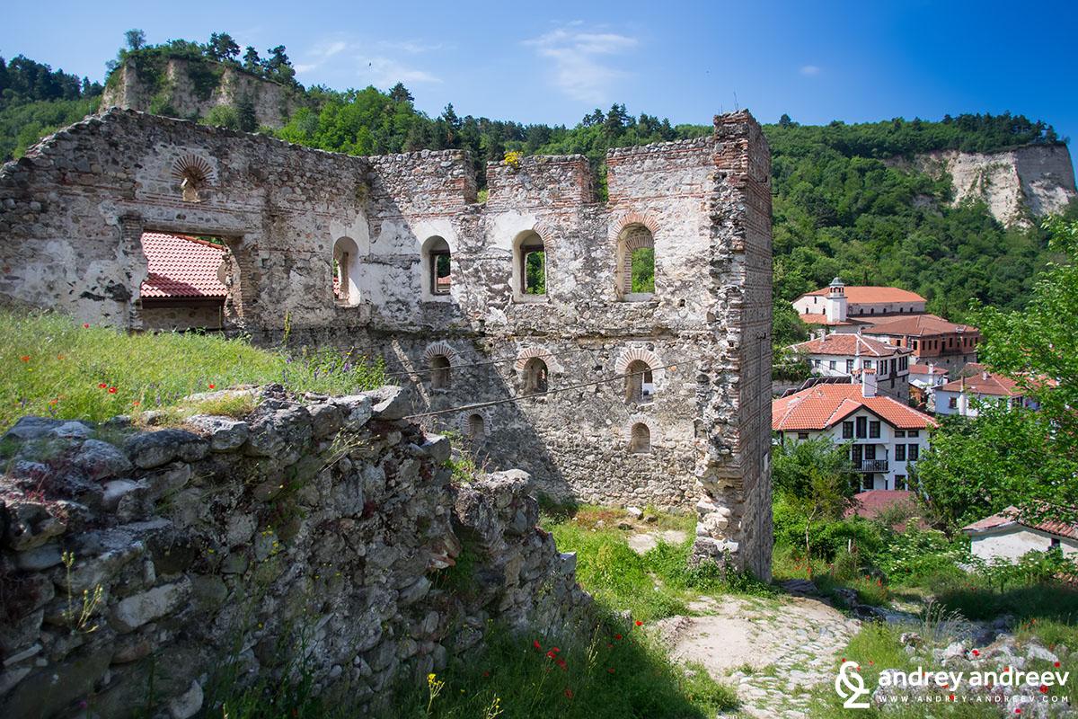 Болярската къща в Мелник, България, поне две от стените ѝ