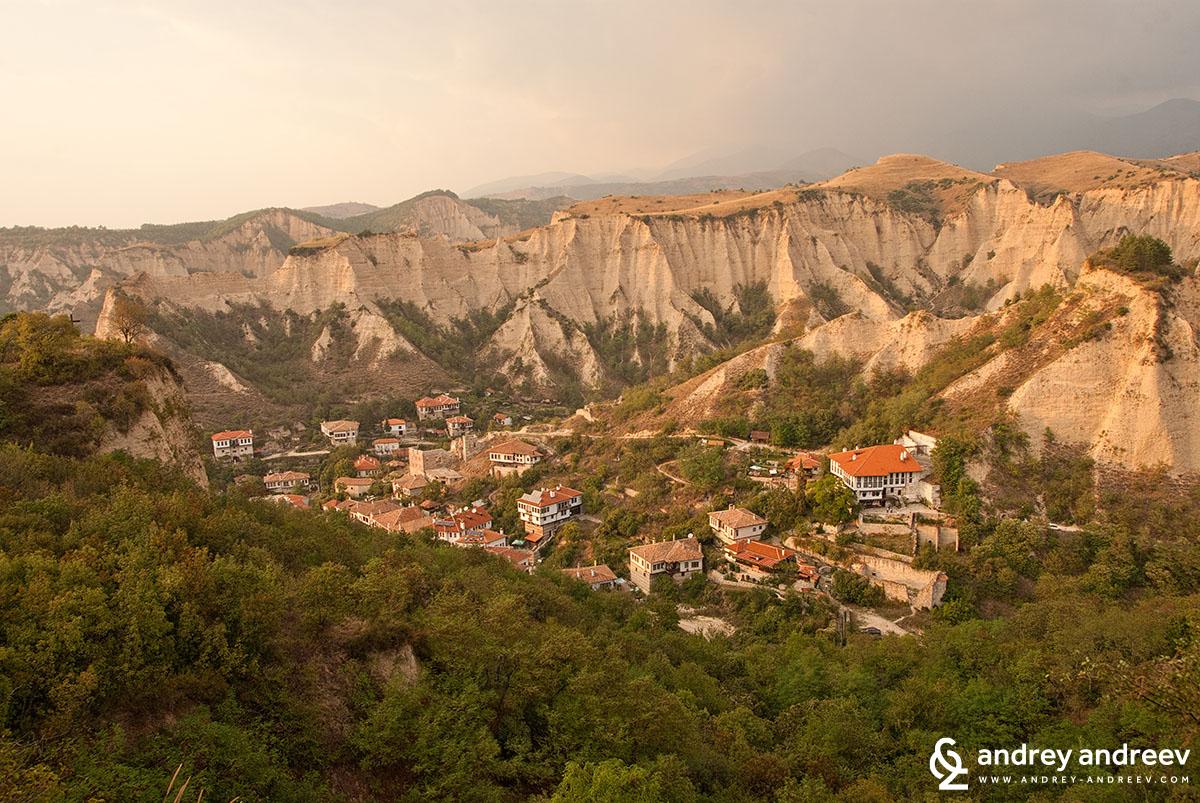 Мелник, най-малкият град в България