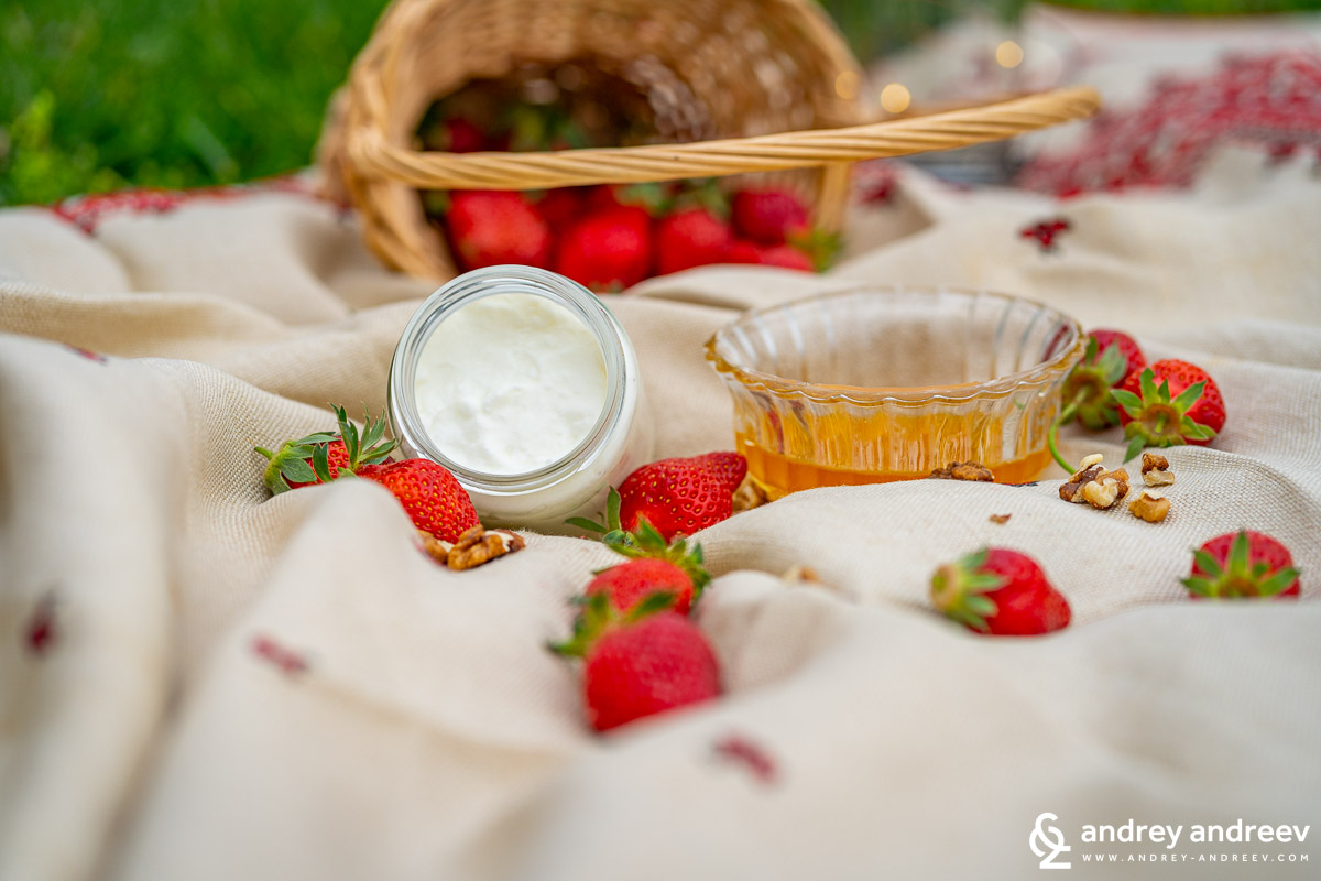 Bulgarian Yoghurt (Кисело мляко – Kiselo mlyako)