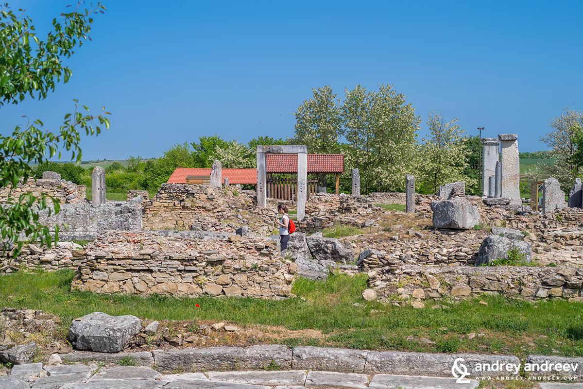 Maria exploring Nicopolis ad Istrum