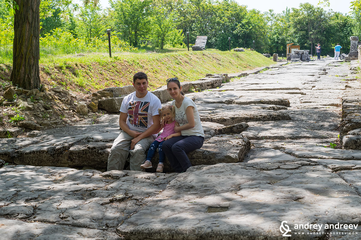 Our family standing above a shaft on the street - Nicopolis ad Istrum