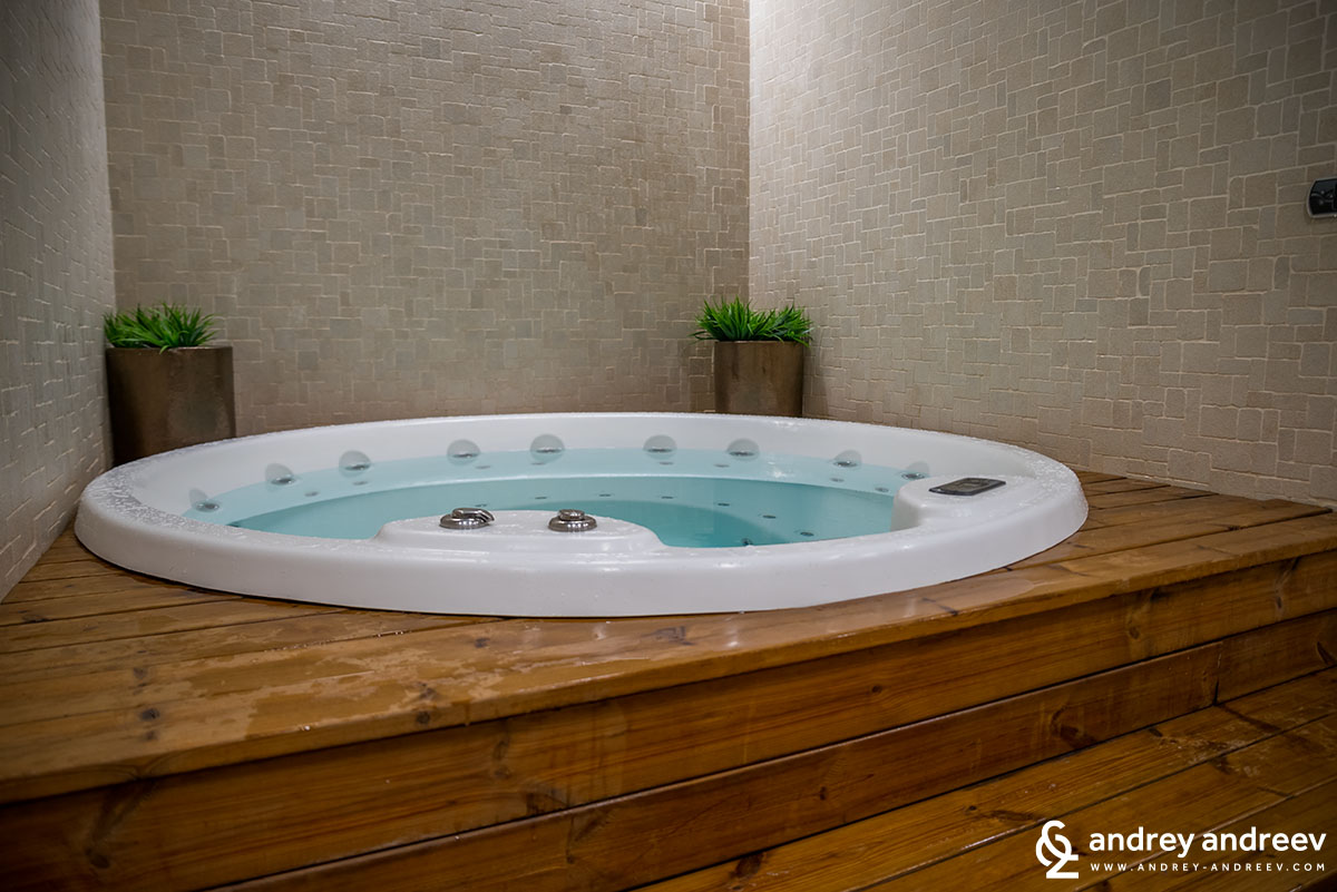 Jacuzzi at hotel Lucky Bansko