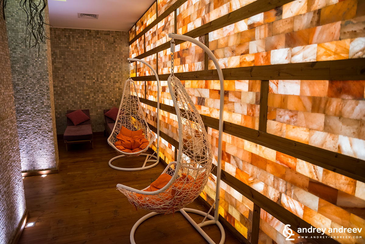 Relax room with salt walls in aparthotel Lucky Bansko Bulgaria
