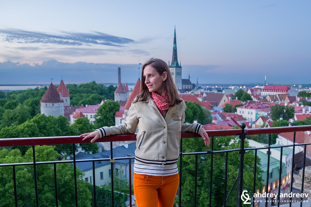 Maria posing at one of the viewing platforms towards the old town of Tallinn