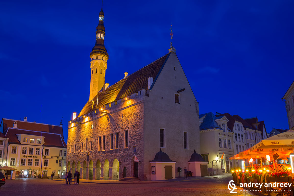 Tallinn Town hall building on June 1, at 23.56h