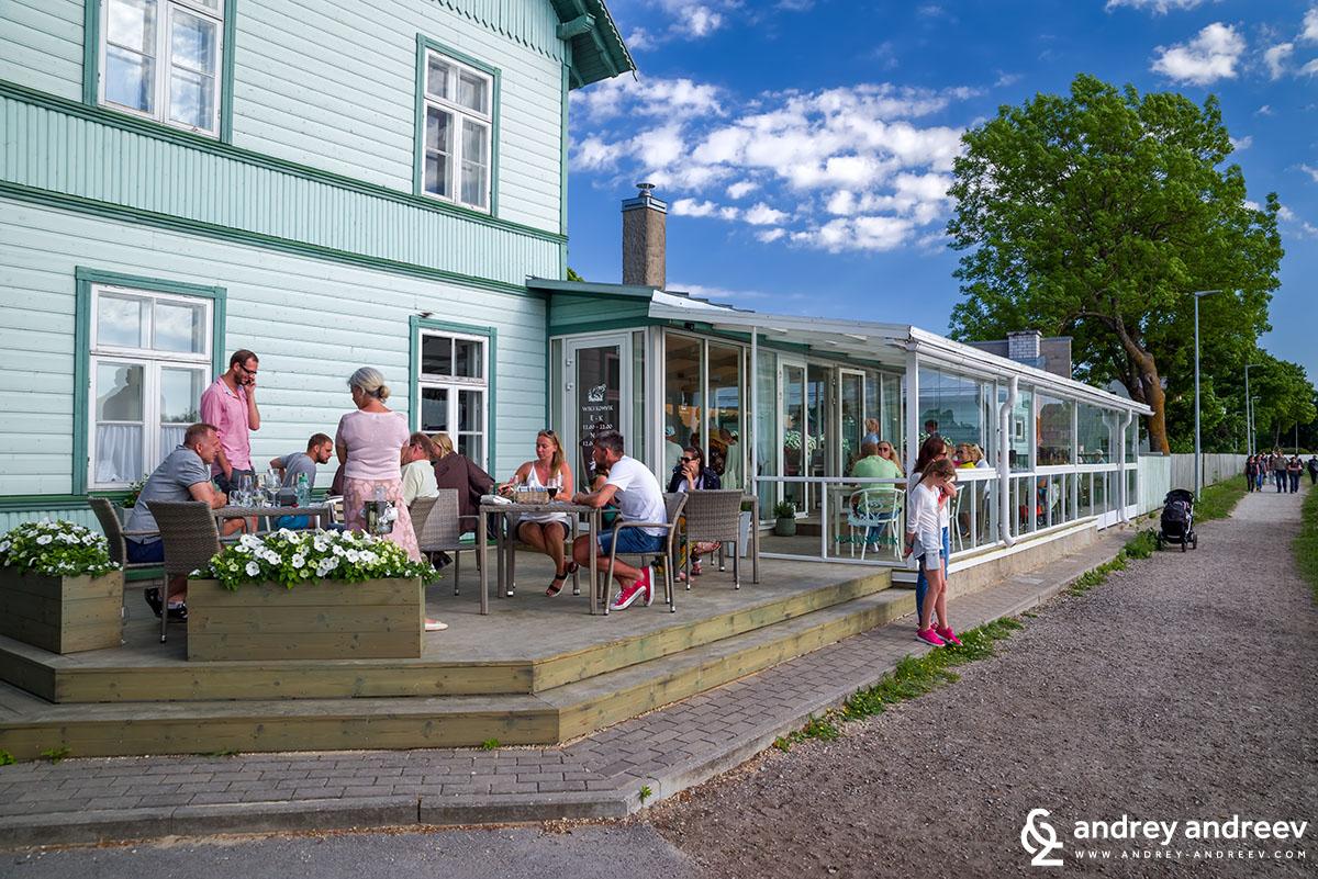 Крайбрежният ресторант Wiigi Kohvik, в който хапнахме в Хаапсалу