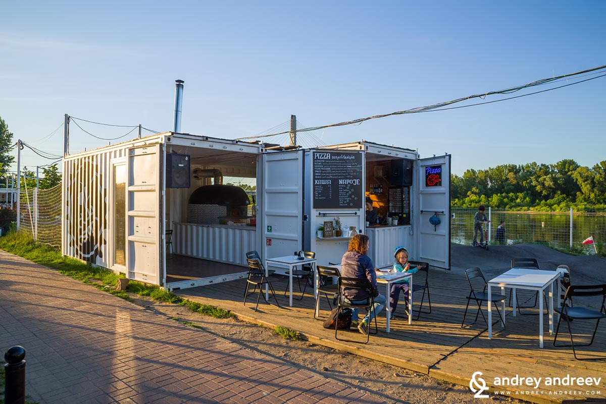 Dwa Osiem pizzeria at Vistula river coast, Warsaw