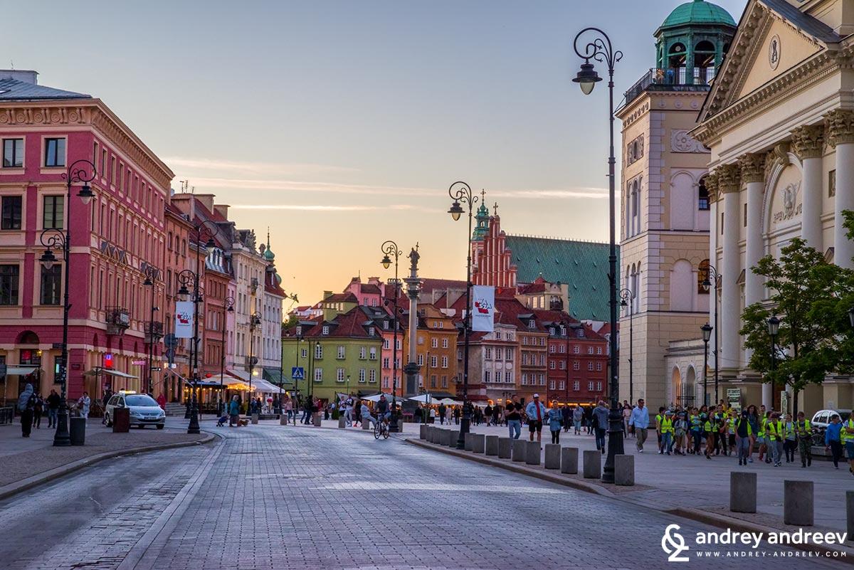 Последните ни минути във Варшава, спирката на автобус 175