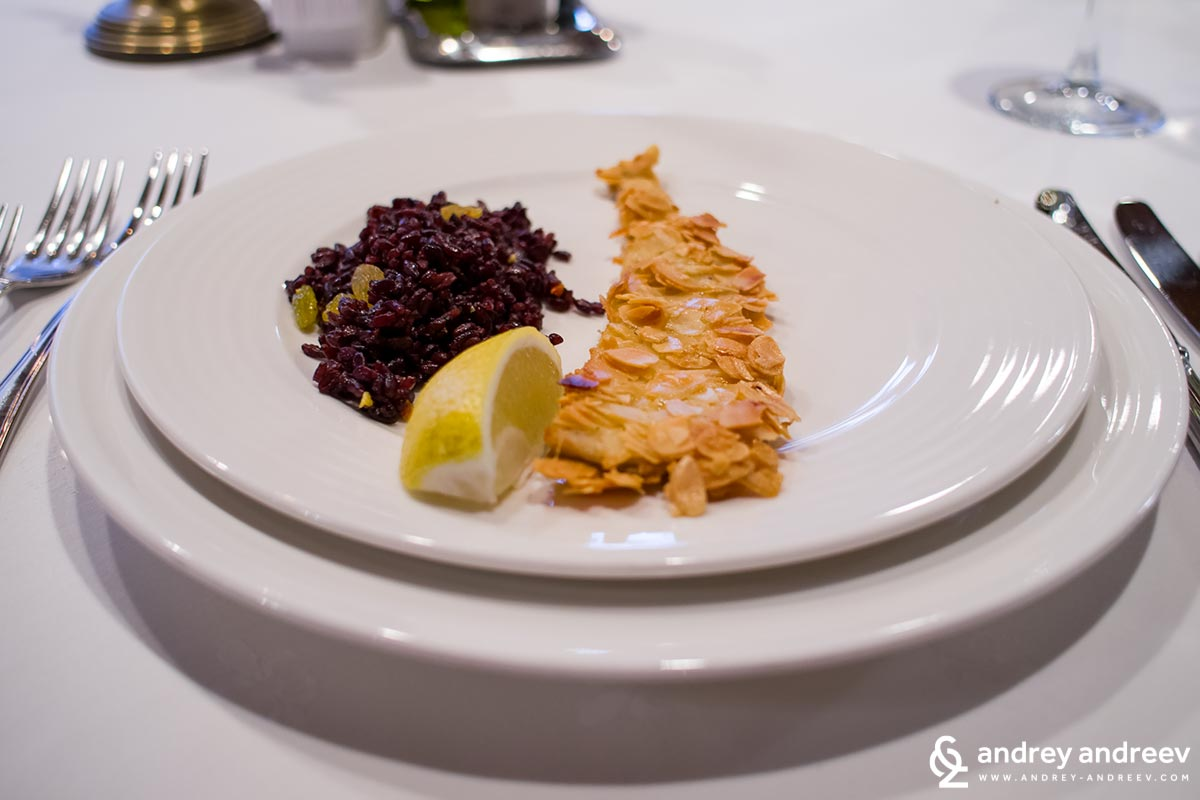 Trout fillet with black rice