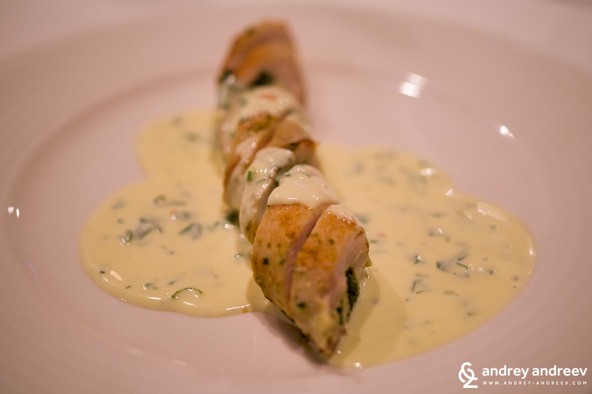 Chicken roll with emmental