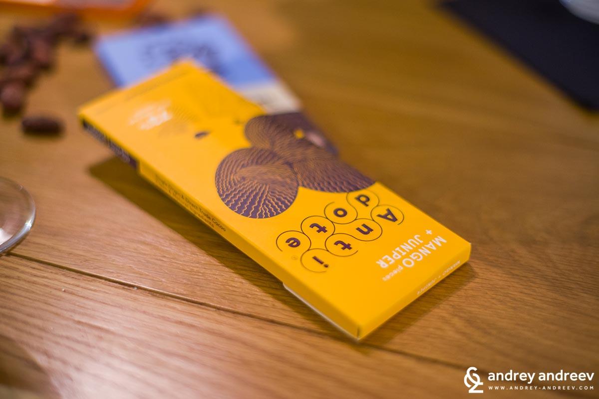 Шоколад с манго и хвойна, на ANTIDOTE – САЩ