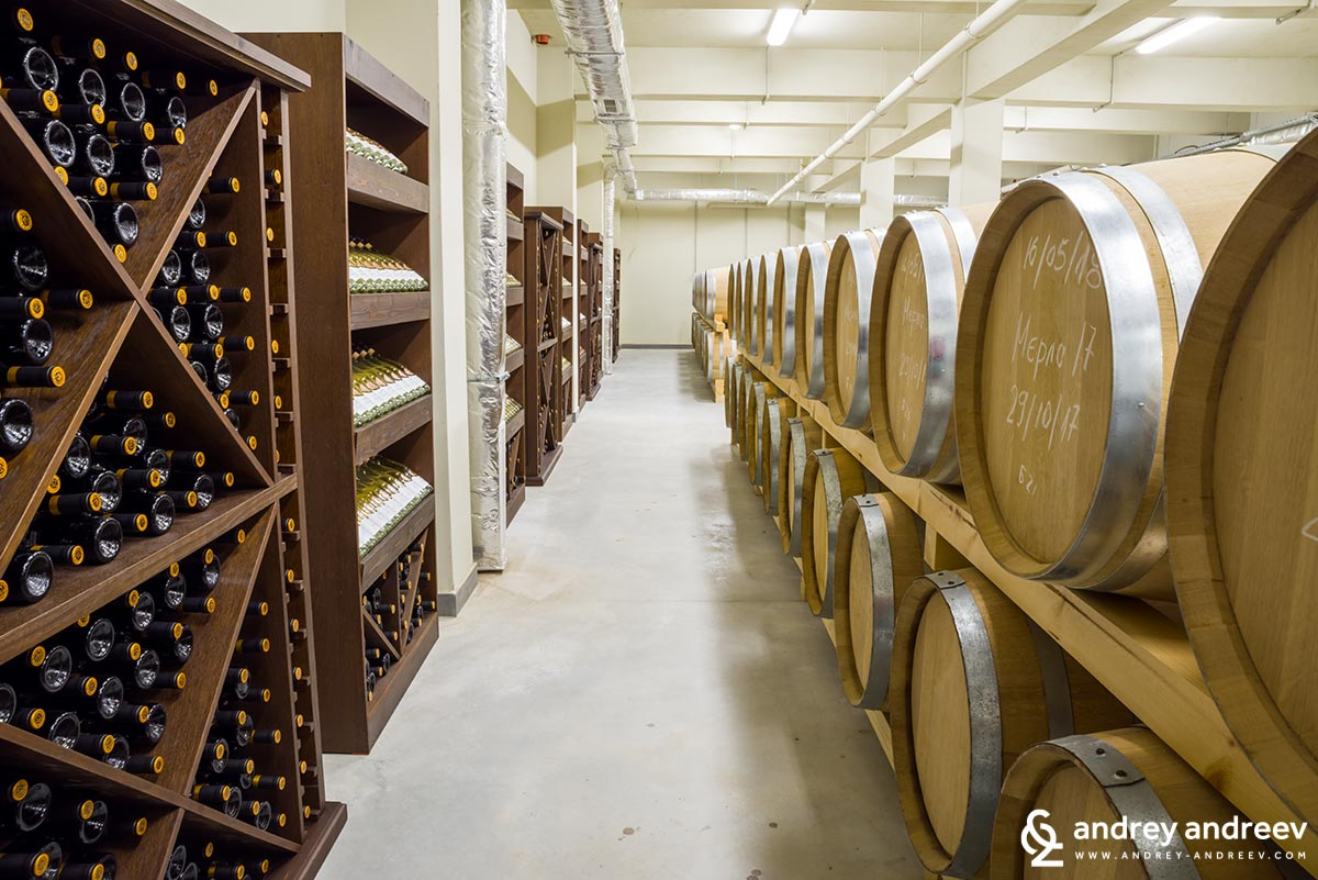 The cellar of Zlaten Rozhen winery
