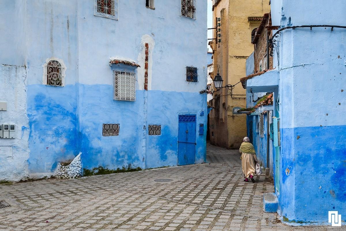 И кумът ни се разходи тази година из Мароко. Синьото градче на Мароко сие  доста популярно сред фотографите.
