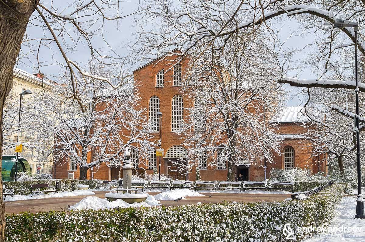 """Църква """"Света София"""" през зимата, мястото е много красиво през всички сезони."""