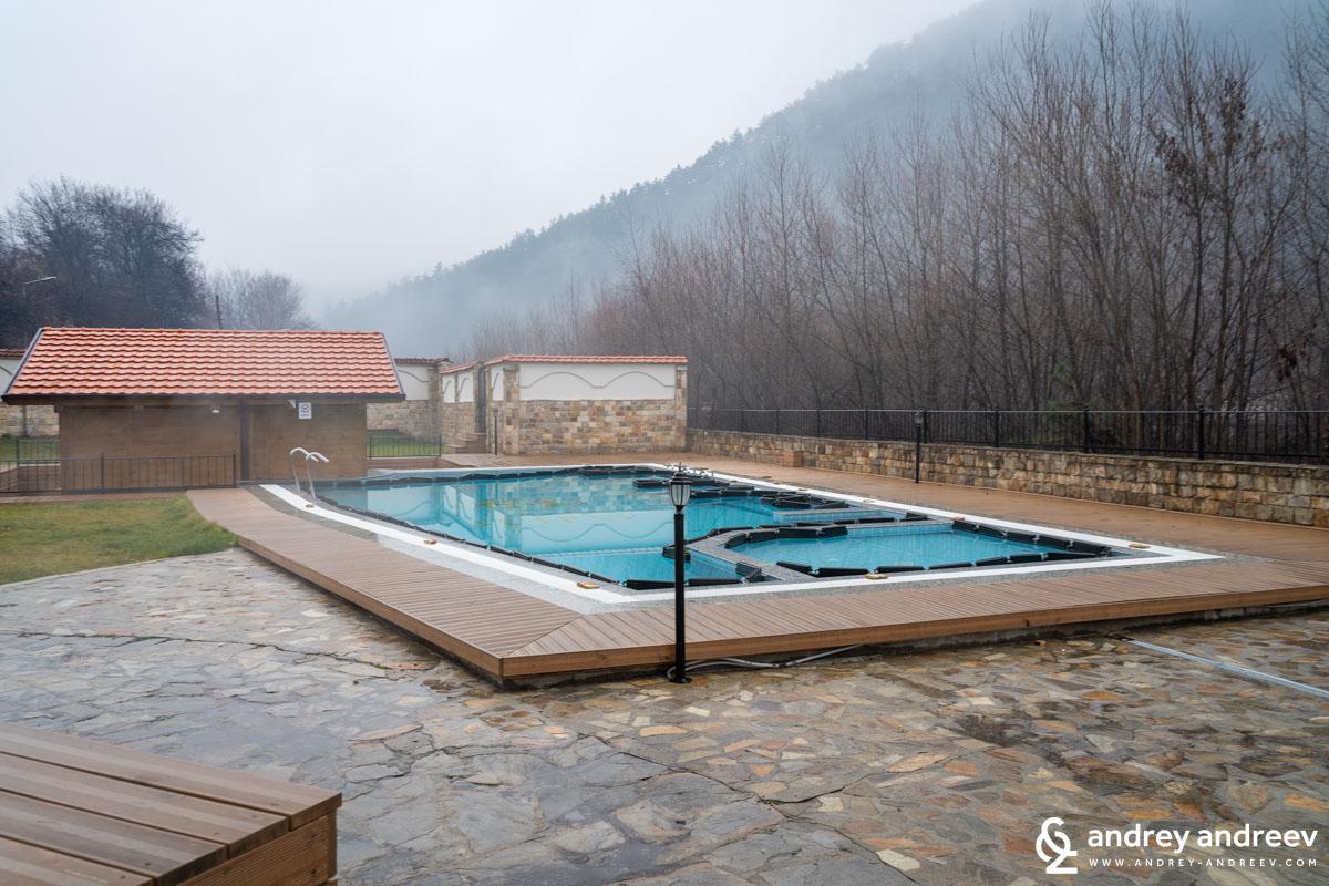 Външният басейн не работи през студените месеци