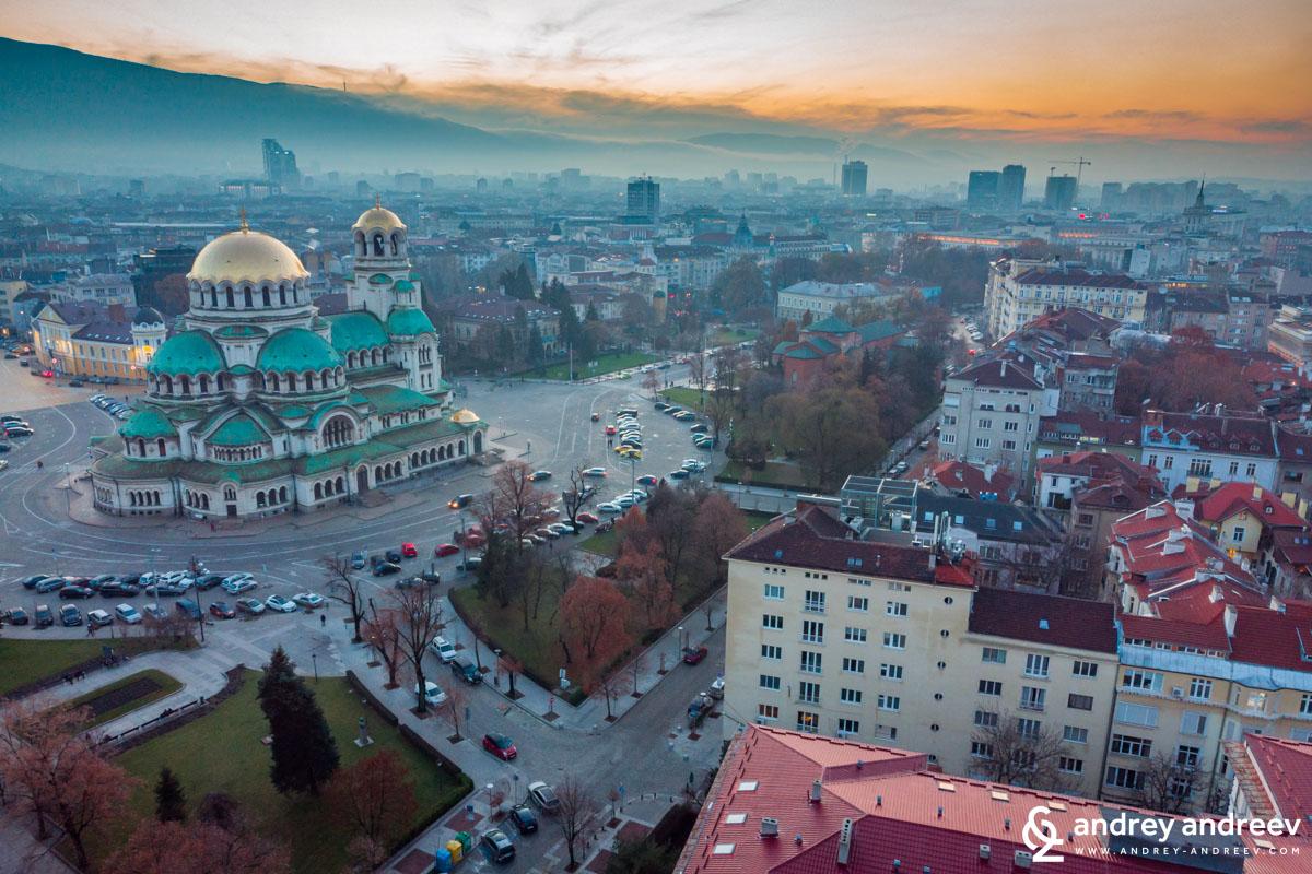 Храм-паметник Св. Александър Невски един студен декември