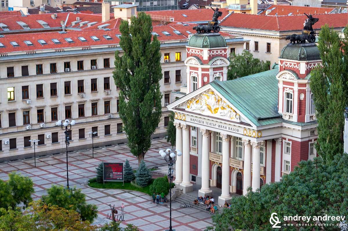 """Сградата на Народния театър """"Иван Вазов"""""""