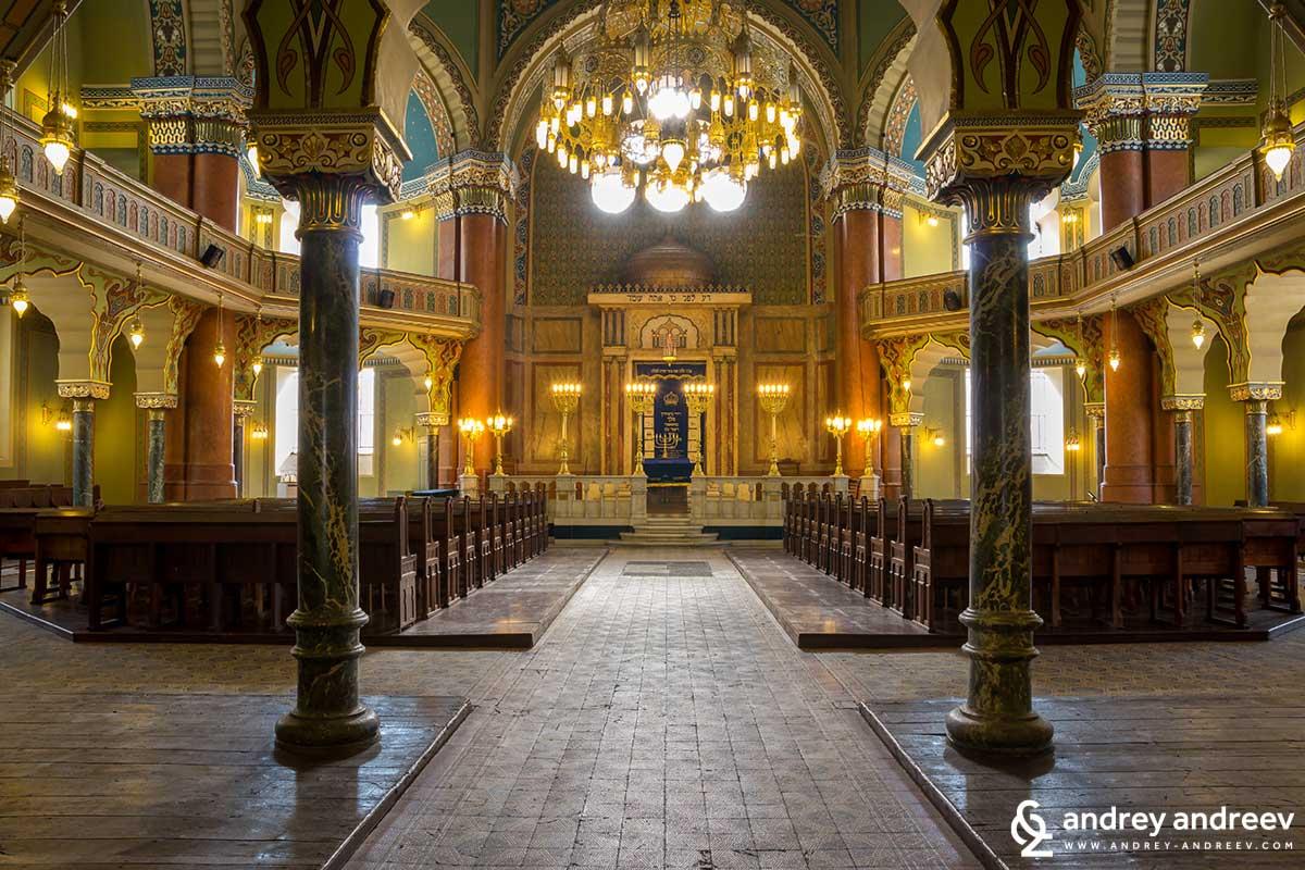 Интериора на синагогата