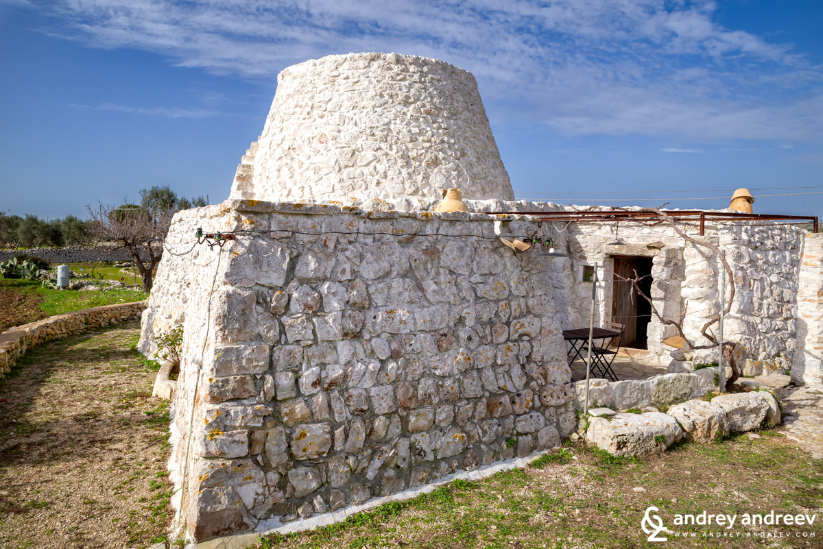 A beautiful stone house, known as pajaru
