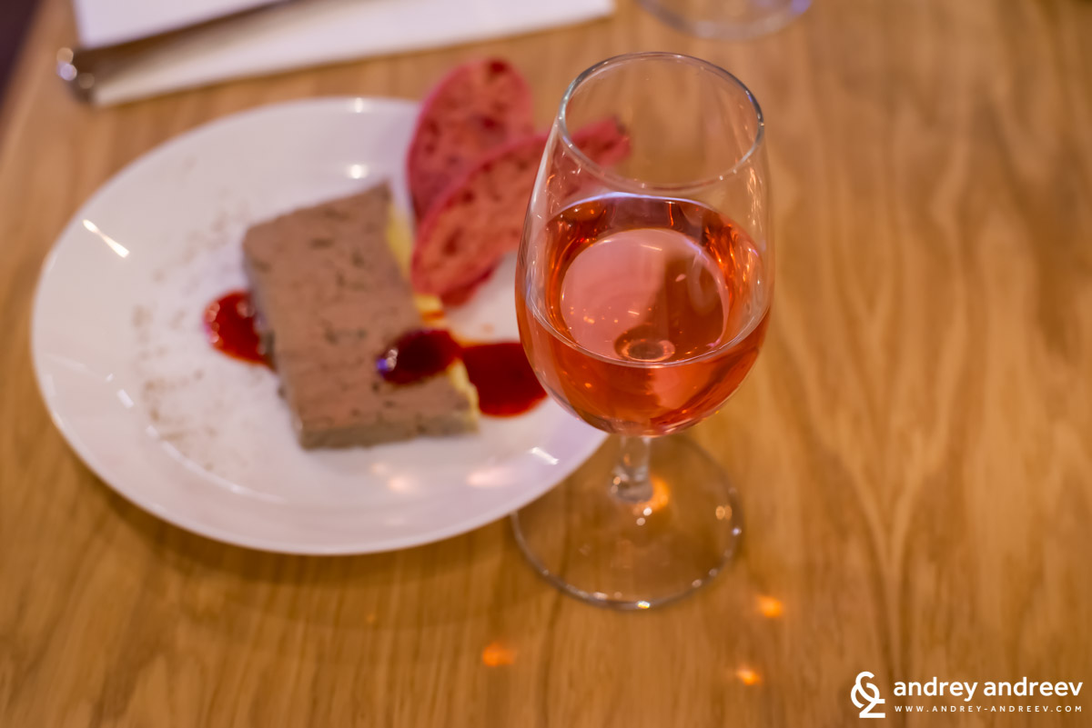 RUSALIi Black Rose 2018 with duck liver terrine