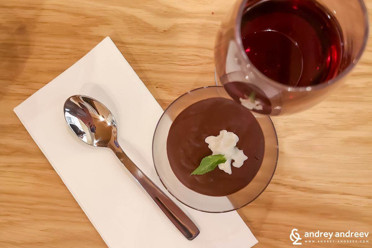 Spancha Nebbiolo&Sangiovese with chocolate mousse