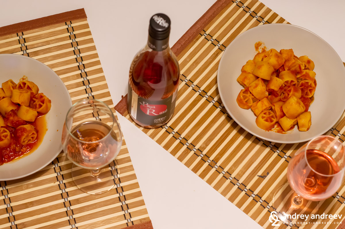 Black Rose by Rupel Winery with Tuscany-style pasta