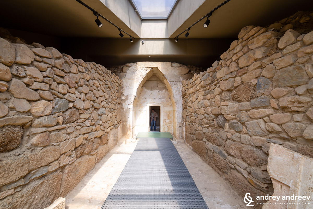 The dromos of  Helvetia tomb