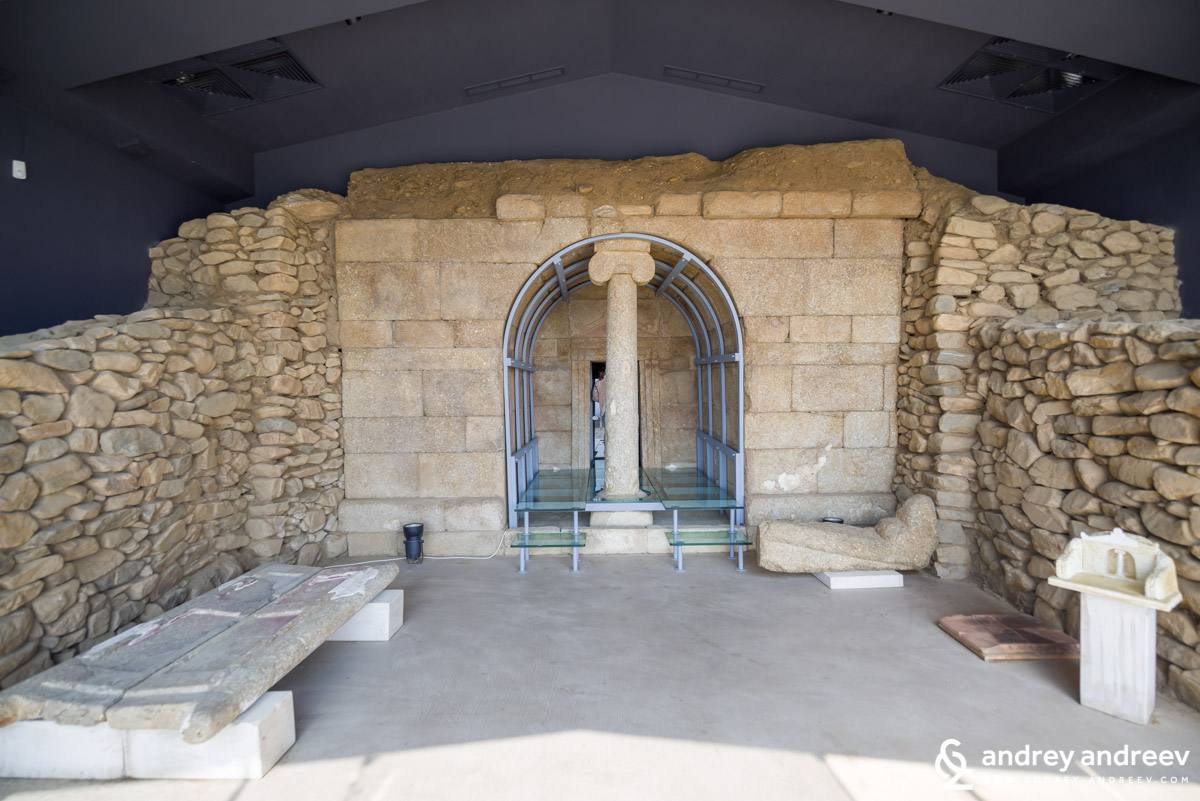 Shushmanets Thracian tomb, Bulgaria, Valley of the Thracian rulers