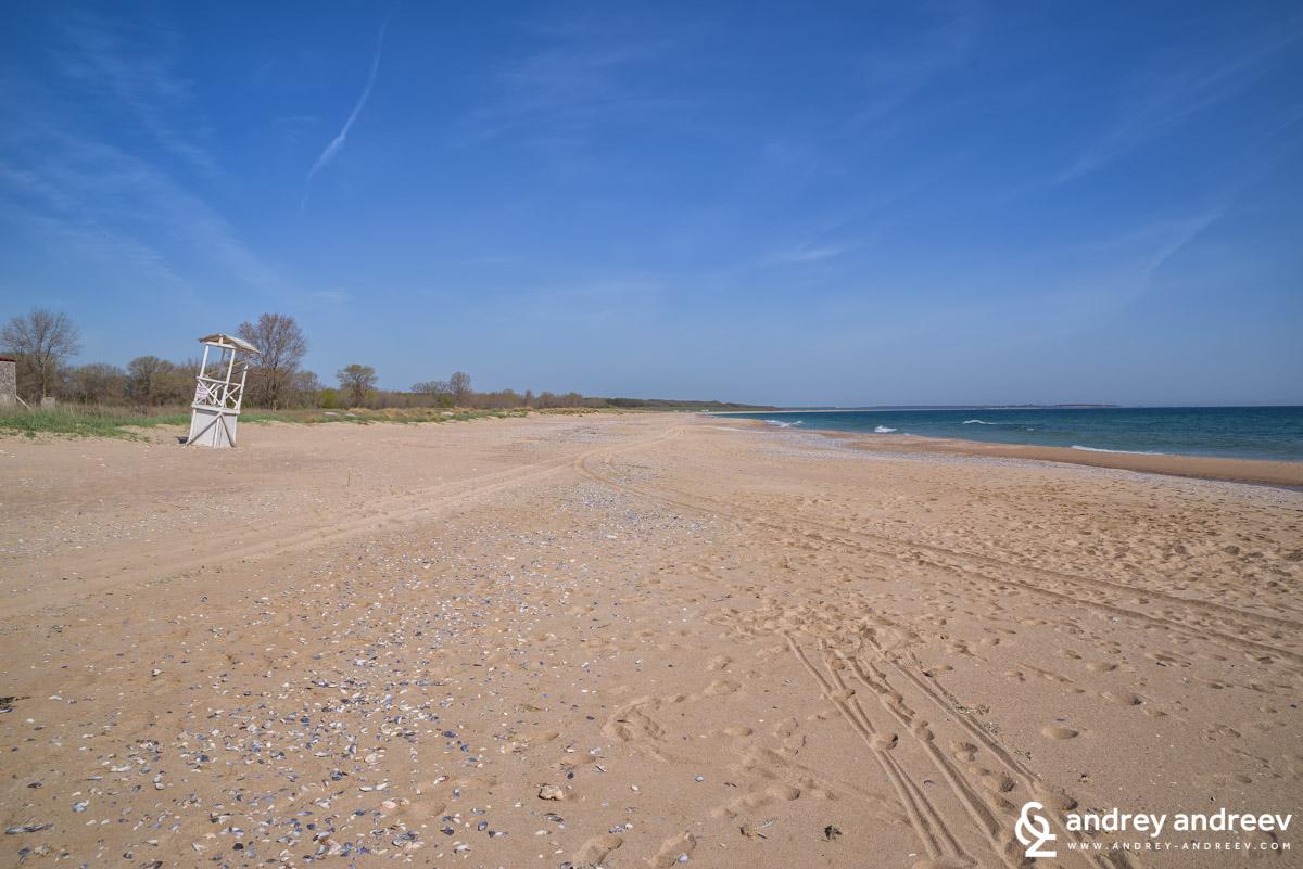 Плажът близо до село Крапец
