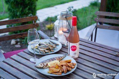 Розе Анита от Рупел с морска вечеря