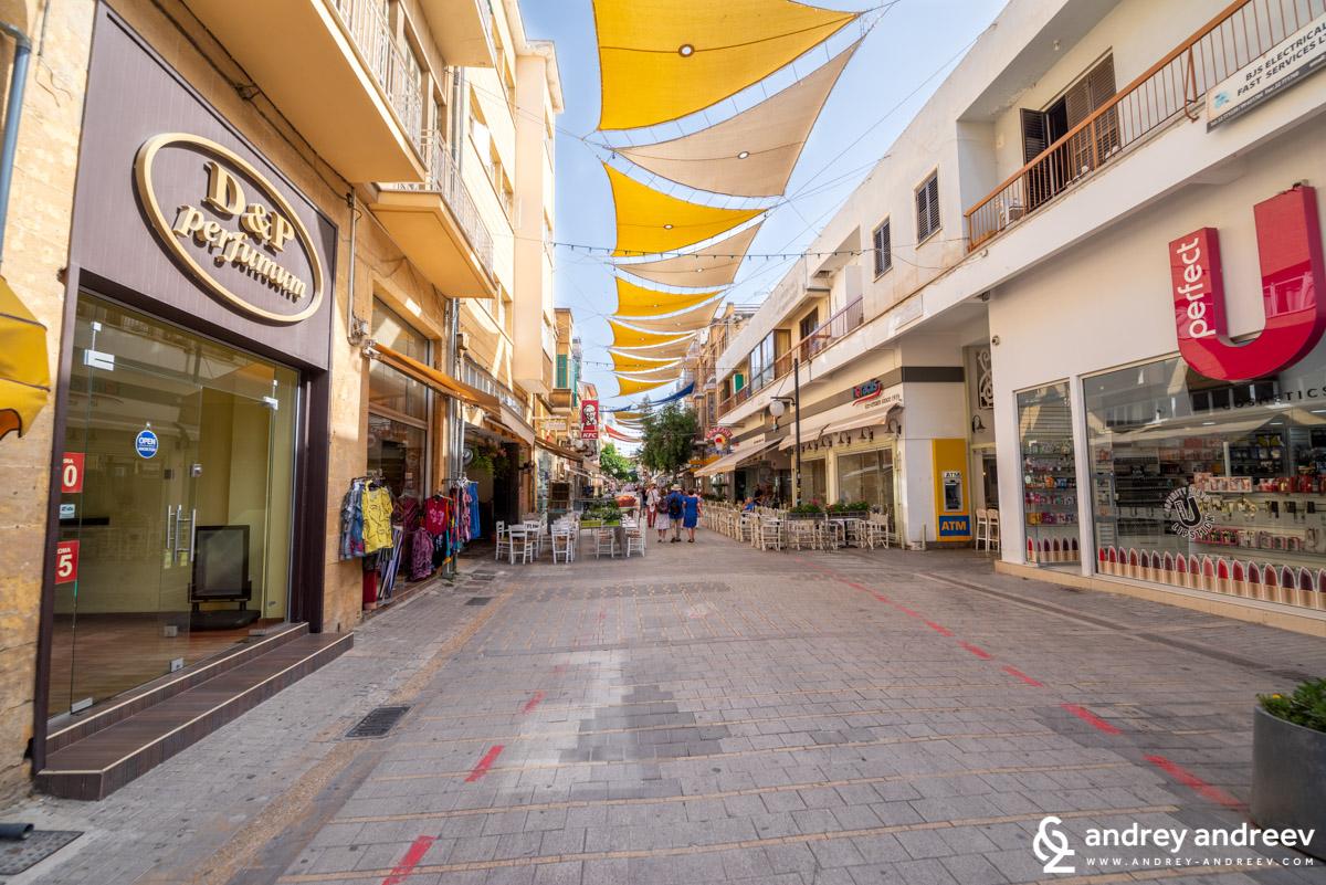 """улица """"Ледра"""", Никозия, Кипър"""