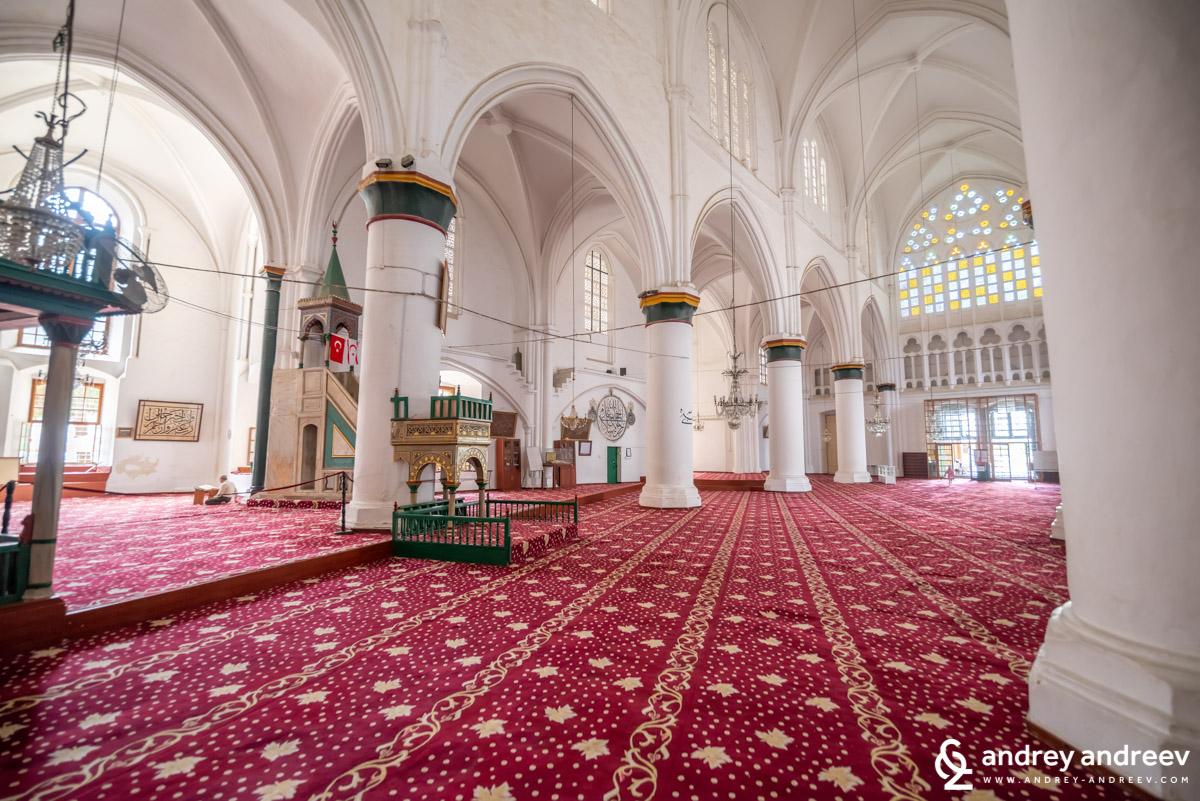 """Интериорът на джамия """"Селимийе"""" в Никозия"""