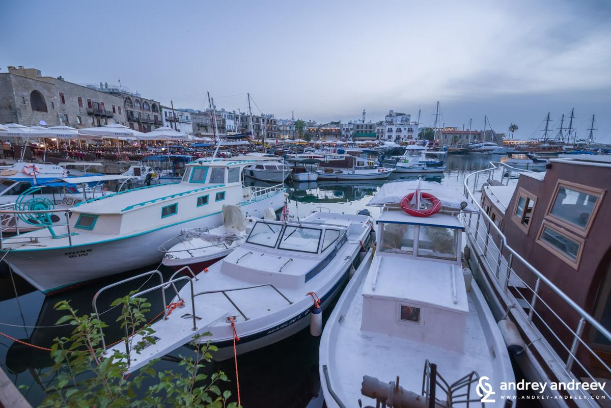 Пристанището на Кирения