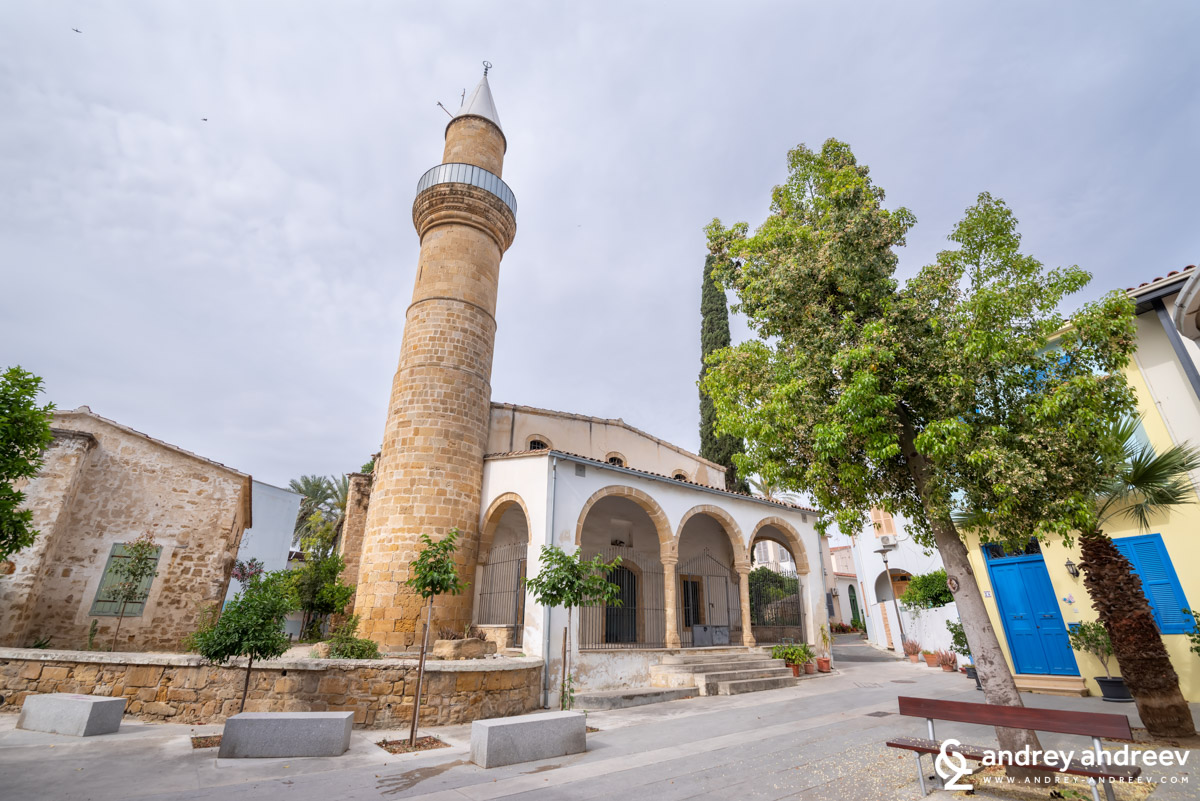 The many mosques in the old town of Nicosia are heritahe from the Ottoman times