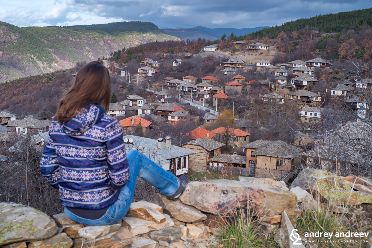 Maria and the view to Leshten village