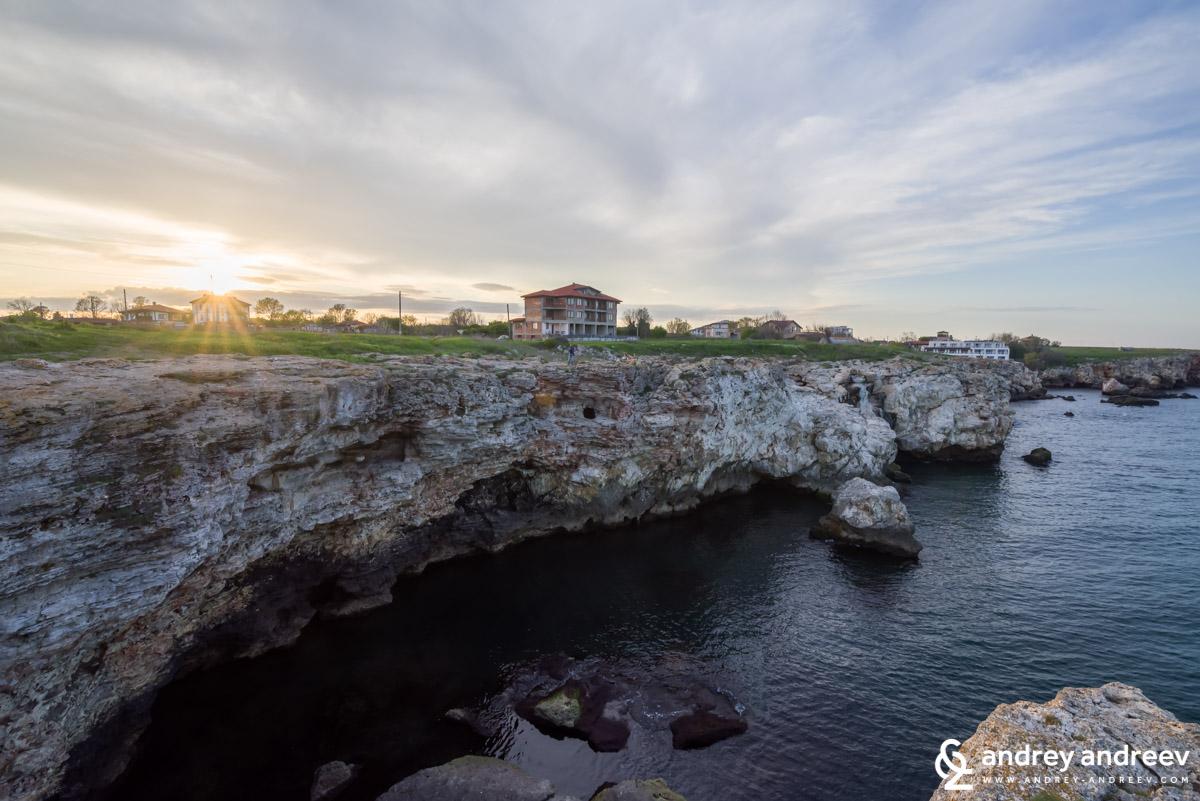 Скалите край Тюленово