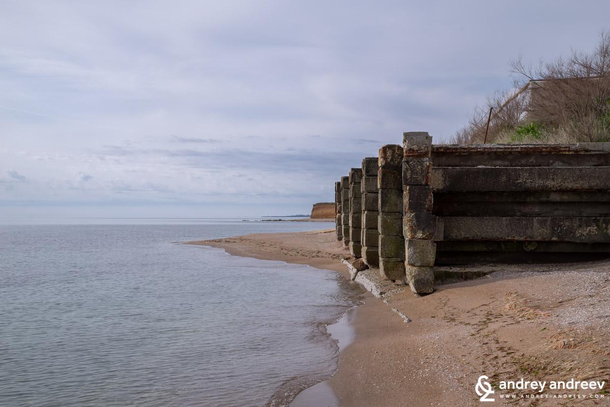 Укрепването на брега на село Крапец