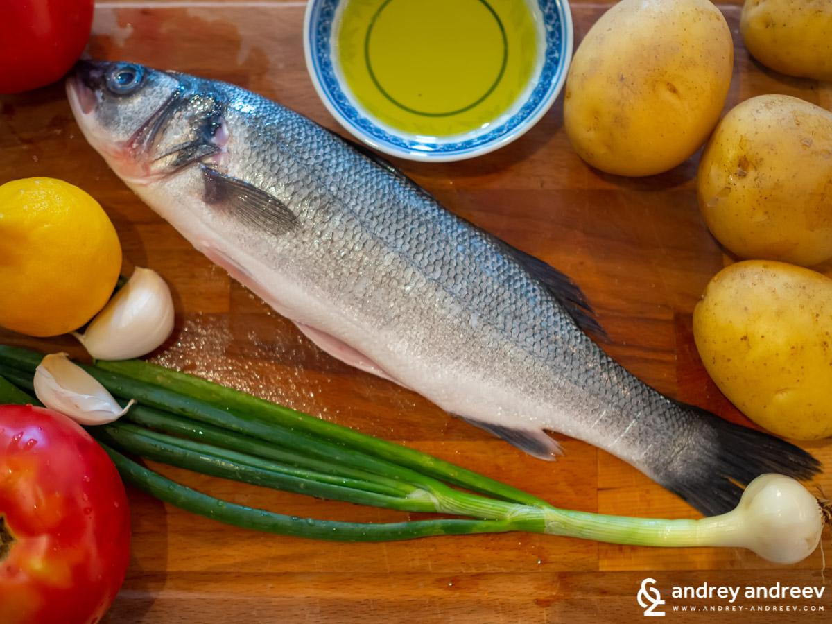 Мимето се готви да готви риба