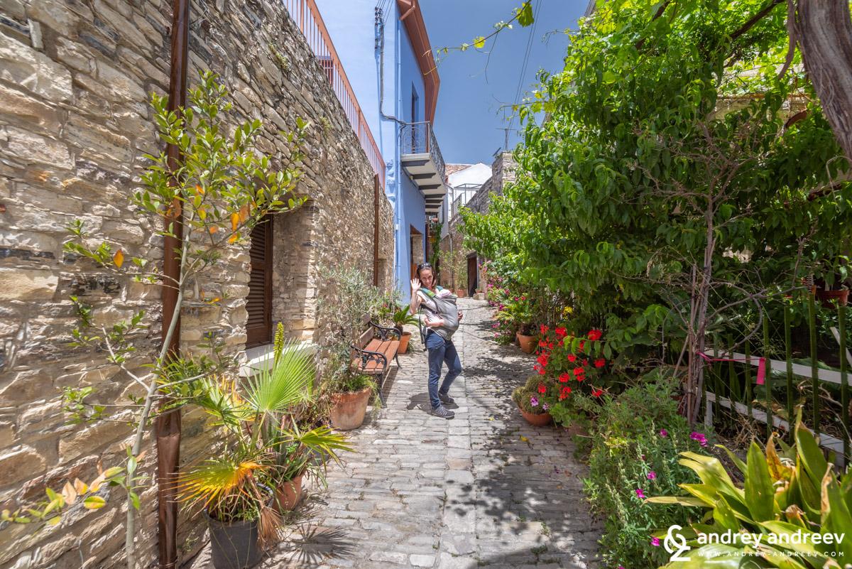 Мимито и Адрианка в село Лефкара, още едно прекрасно село